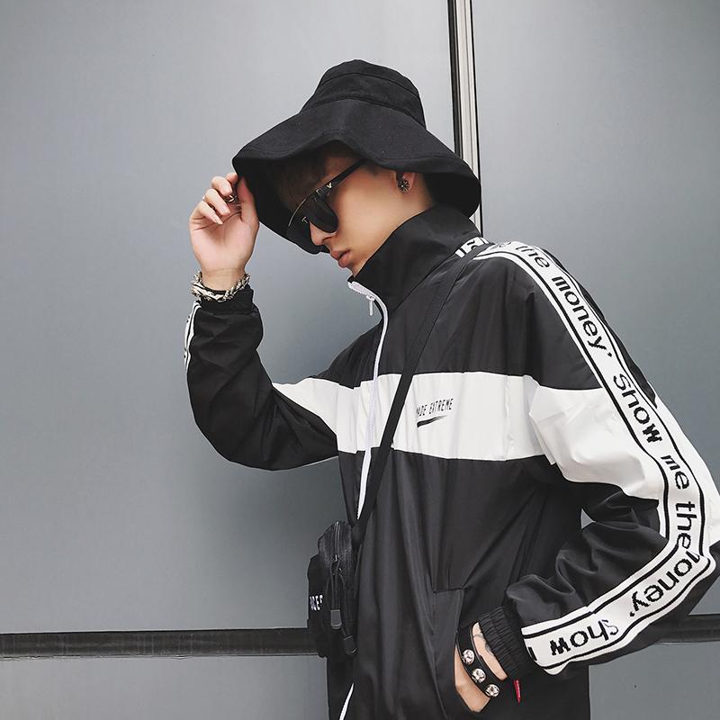 字母黑色夾克