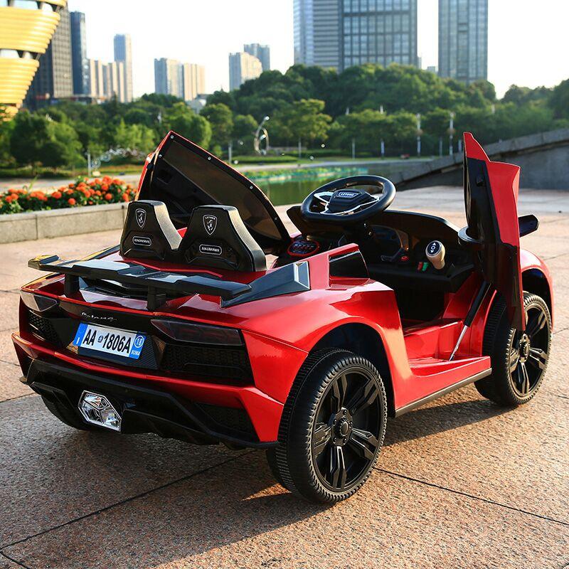 儿童电动车新款宝宝摇摆汽车四轮遥控跑车小孩玩具车可坐人童车