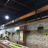 美式餐厅工业风酒架置物架吊柜网格收纳悬挂置物架前台吧台点餐台