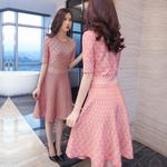长款粉色毛衣连衣裙