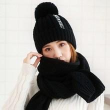 Комплекты шарфов, перчаток и шапок фото