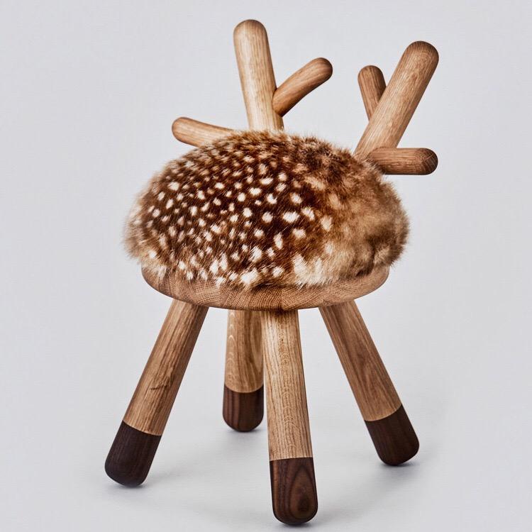 小鹿凳子谢娜奚梦瑶同款天然实木麋鹿宝宝椅子家用可爱儿童小凳子