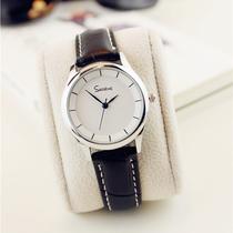 韩版简约个姓英文字母黑白时尚潮男女情侣一对中学生石英皮带手表