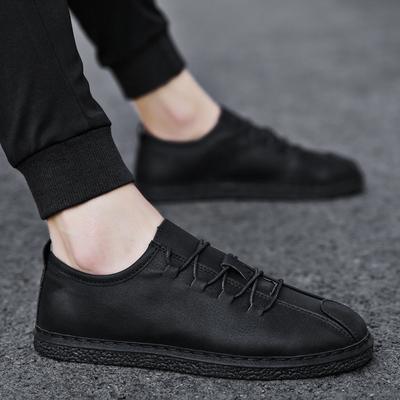 秋季防滑板鞋全黑色男鞋子酒店厨师上班防水休闲皮鞋厨房工作黑鞋