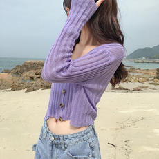 Early autumn 2018 new thin sweater sweater cardigan women's jacket outside the short with a small skirt with a skirt