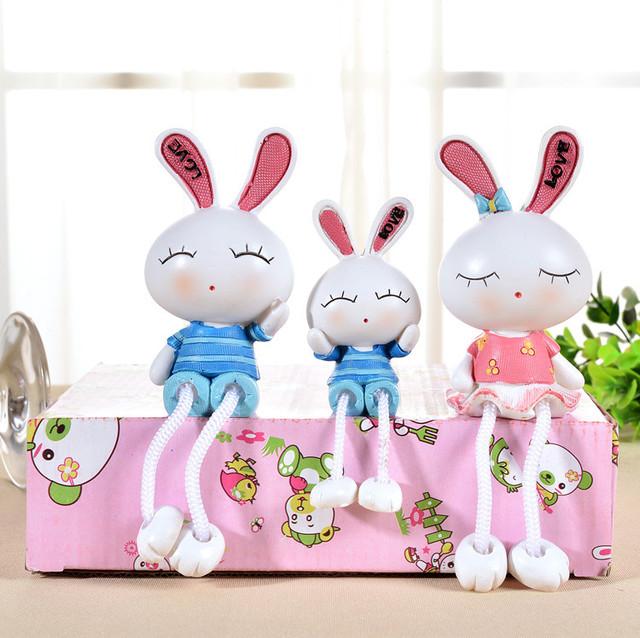 现代树脂工艺品卡通摆件吊脚娃娃爆款兔子创意新奇特礼品家居饰品