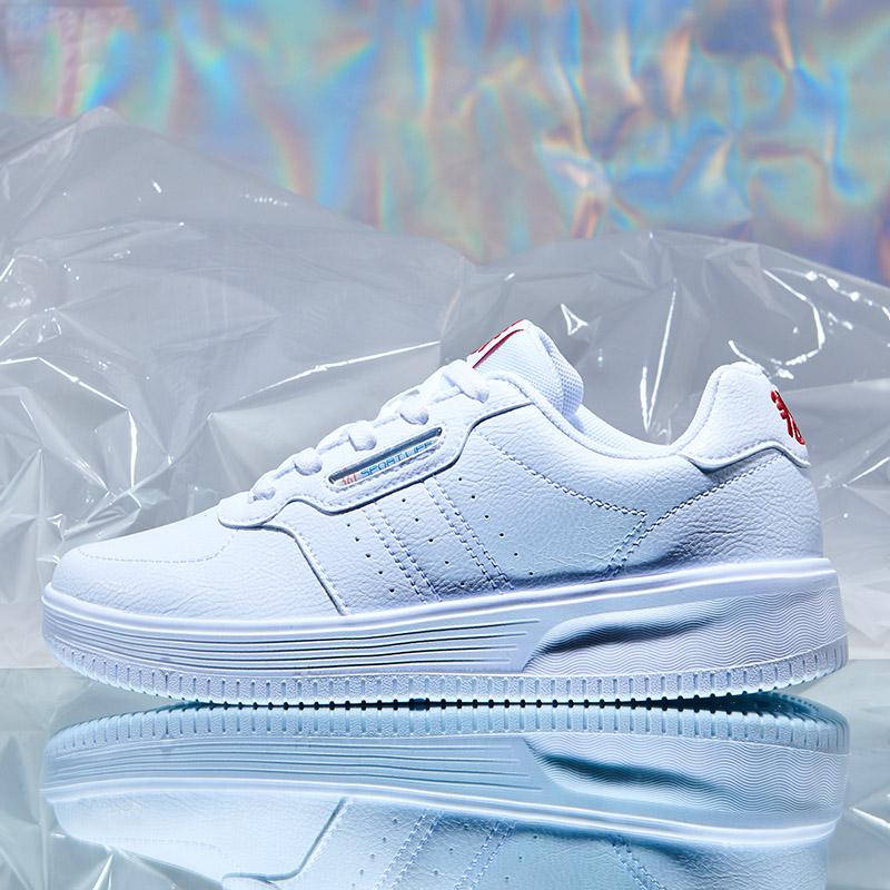 361女鞋纯白色皮面旅游鞋平底板鞋休闲鞋运动鞋防滑361度成人青年
