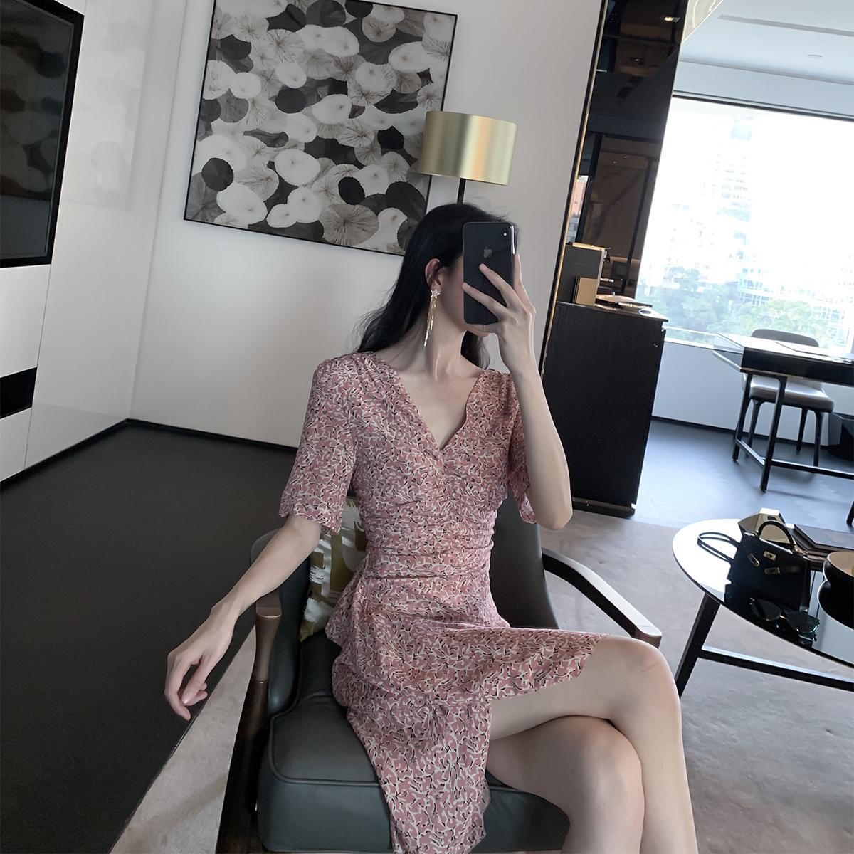 詹维尼 碎花连衣裙夏季女装2019新款气质显瘦法式裙子雪纺长裙