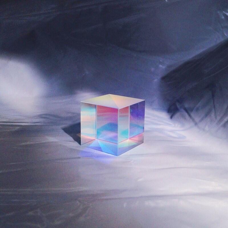 tint | 书桌上的光立方 | 艺术摆件 | 礼物 | tint光之立方