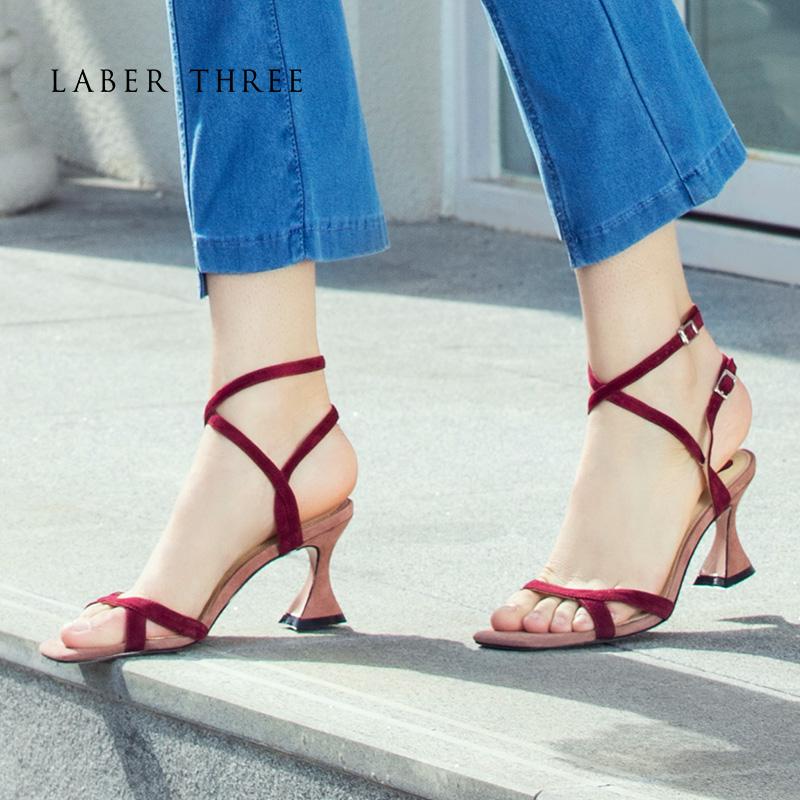Laber Three夏季粗跟凉鞋女夏仙女风一字扣带高跟鞋中跟韩版少女