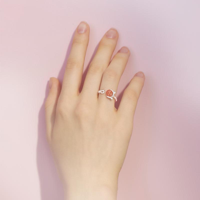 粉色水晶戒指