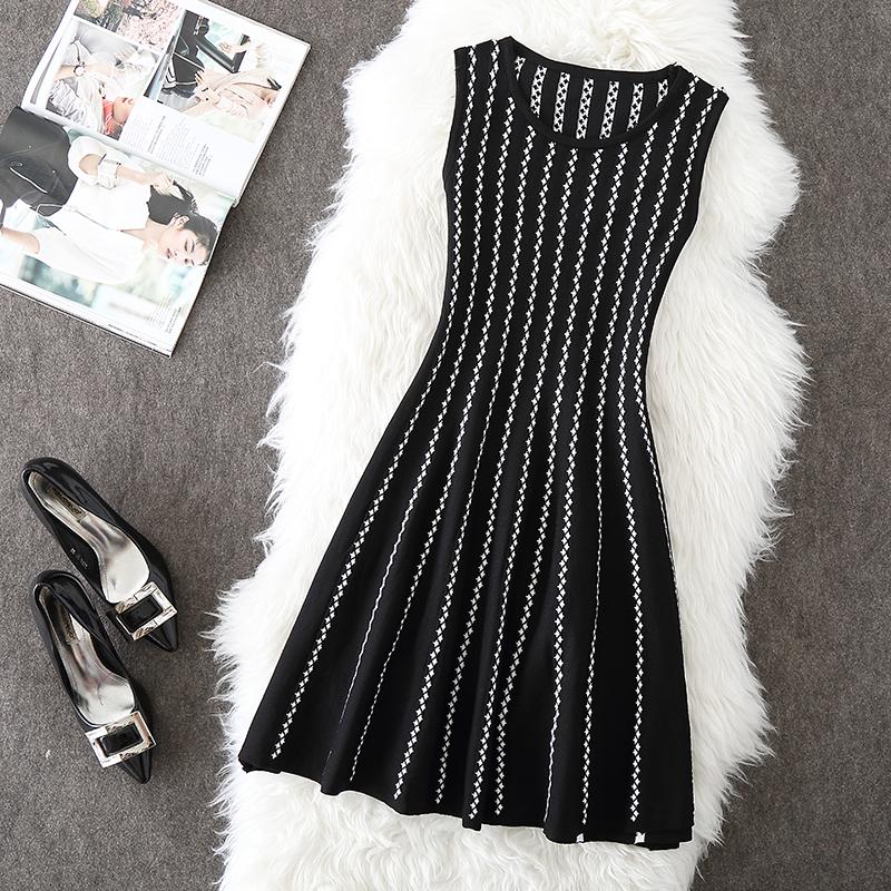 条纹无袖连衣裙冬