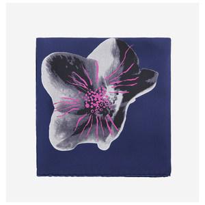 DIOR/迪奥 撞色抽象花卉图案设计女士桑蚕丝深蓝色围巾方巾