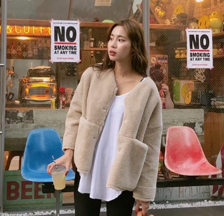 2018冬装新款 韩国代购正品女装 1120 气质优雅 魅力人造毛外套女
