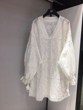 Slim and fat can not choose 19 spring fashion age-reducing V-neck long-sleeved lace patterned loose dress