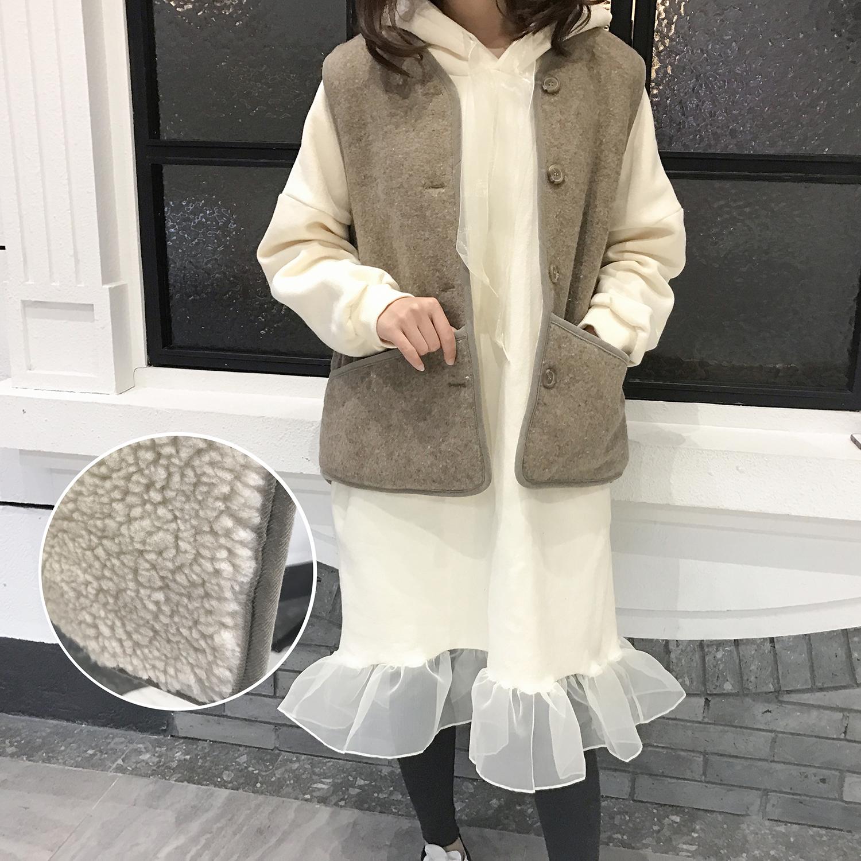 JUJU韩国进口 加厚保暖羊羔毛大口袋无袖马甲2017冬季百搭外套女