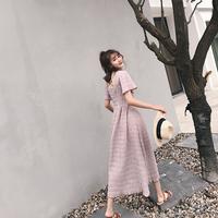 短袖褶皱连衣裙夏