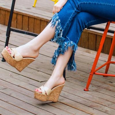 夏季新款韩版女夏防水台裸色超高跟凉鞋度假厚底坡跟凉拖鞋潮包邮