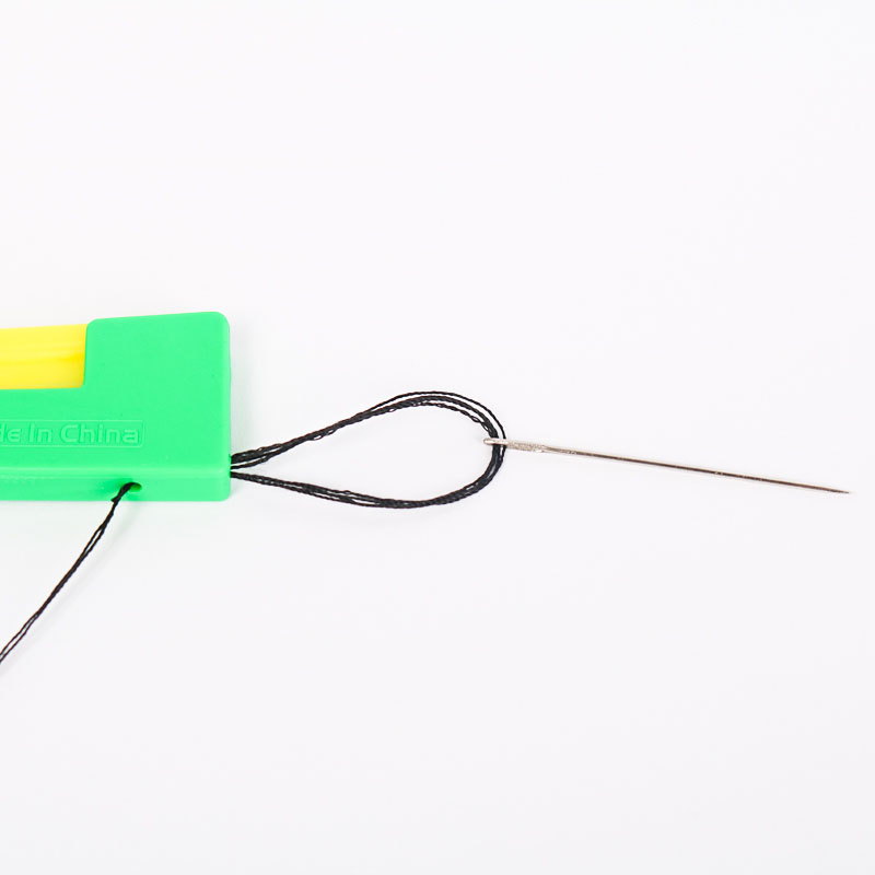 家用引线器便携迷你引针器缝纫工具老人自动穿针器 老人穿针神器