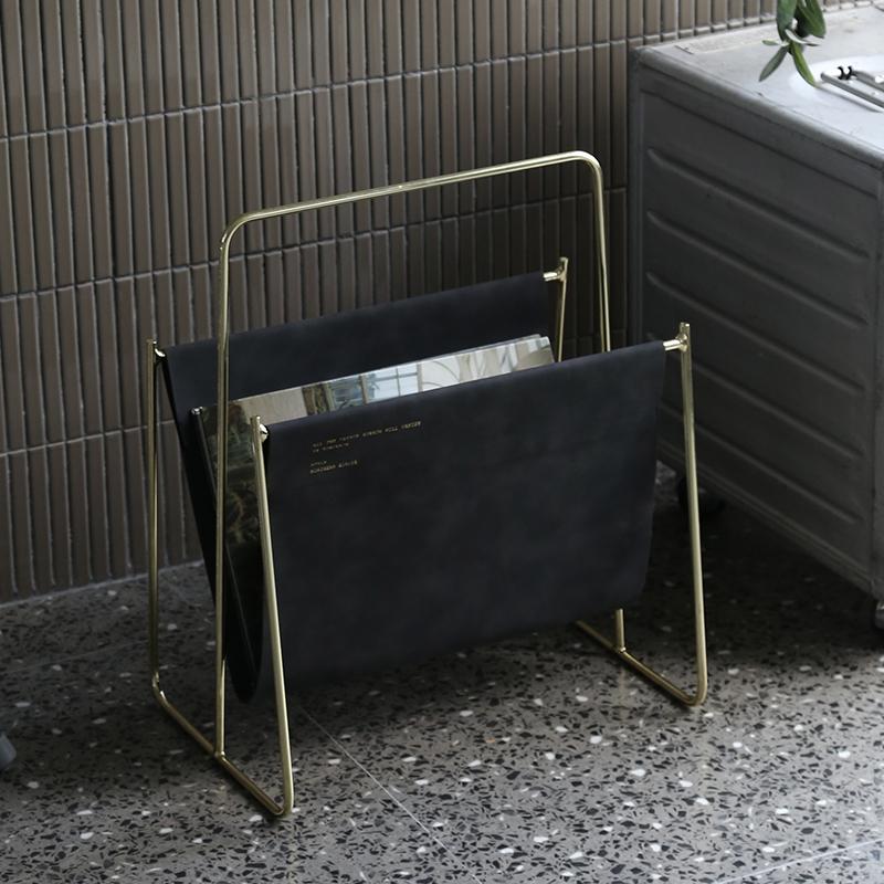 那所NASO 北欧简约皮质杂志架 创意桌面书报架落地置物架小书架