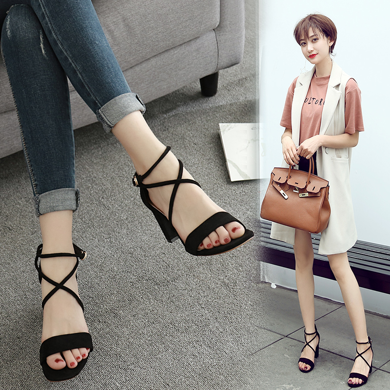 韩版粗跟一字扣凉鞋女