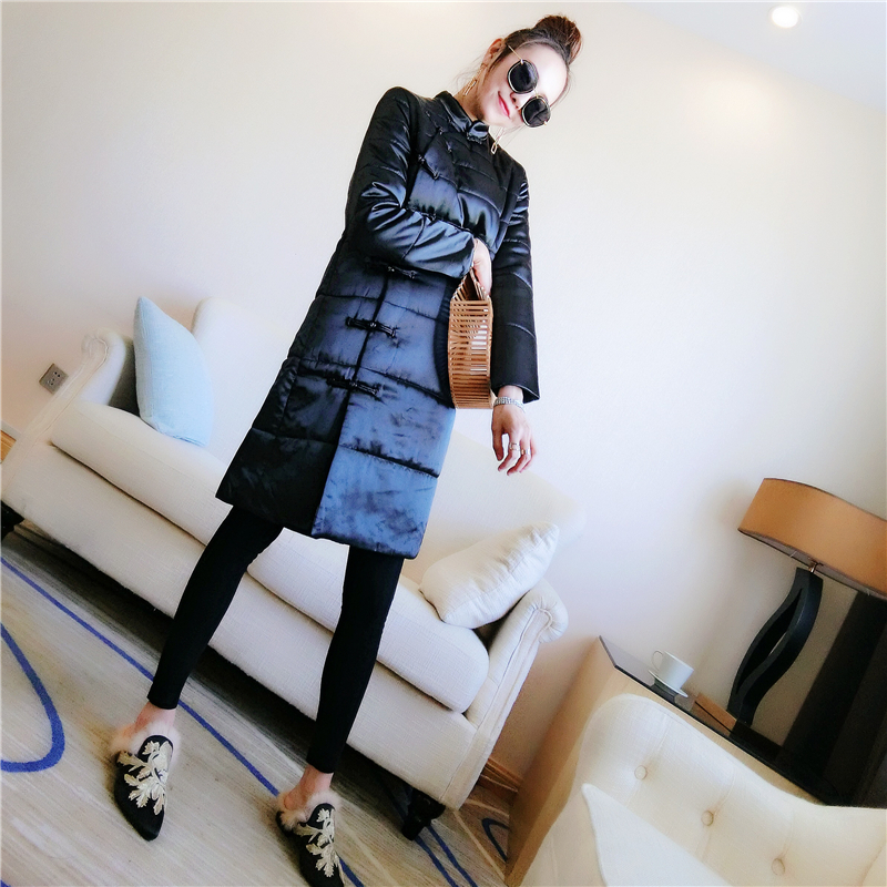 [squirrel home guest] black satin long paragraph quilted cheongsam thick Tang suit retro