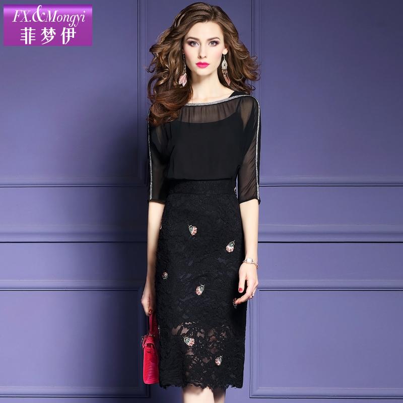 黑色刺绣一字领连衣裙