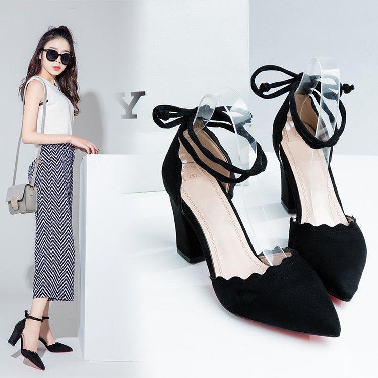 一字式扣带粗跟单鞋时尚女鞋