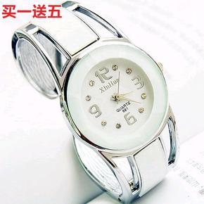 韩版镶水钻个性大气简约钢带防水石英手镯表开口式女学生流行手表