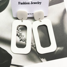 Simple, fashionable, cool air earrings in Europe and America, women's White Retro geometric square earrings, chaotic and exaggerated Earrings