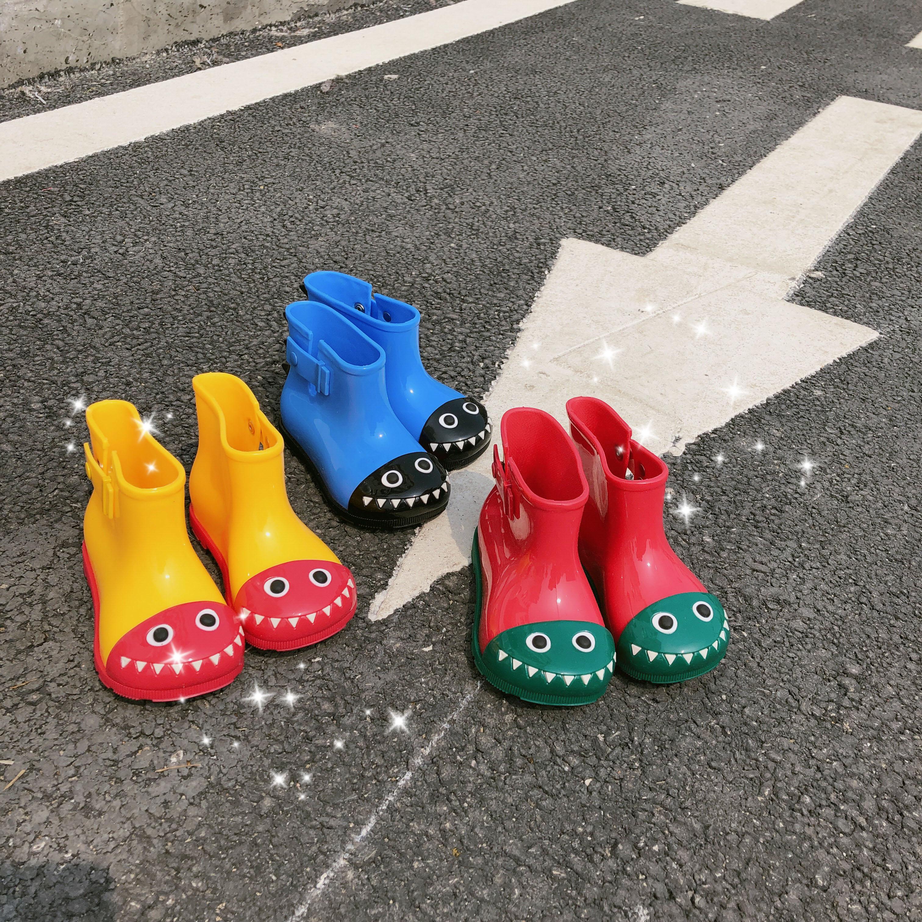 男童雨鞋小童水鞋防滑1-3岁宝宝4胶鞋5防水中筒靴子套鞋可爱雨靴