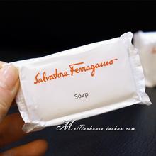 日航五星酒店使用 菲拉格慕女性花香肥皂 沐浴香水 旅行携带中样