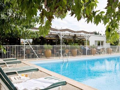 阿维尼翁南宜必思风格酒店标准房(双人床)-有沙发