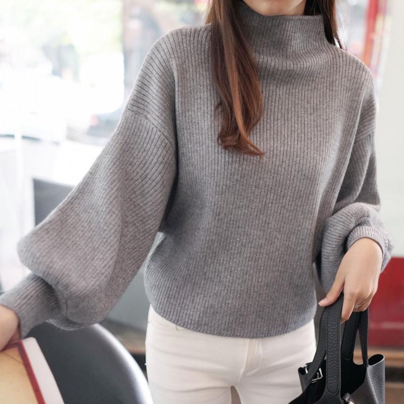 冬季半高领灯笼袖毛衣