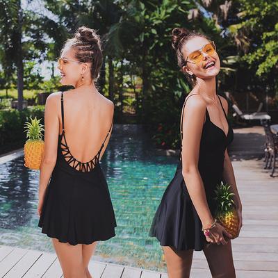 泳衣女性感 露背遮肚保守显瘦连体裙式黑色小胸聚拢2018温泉泳衣