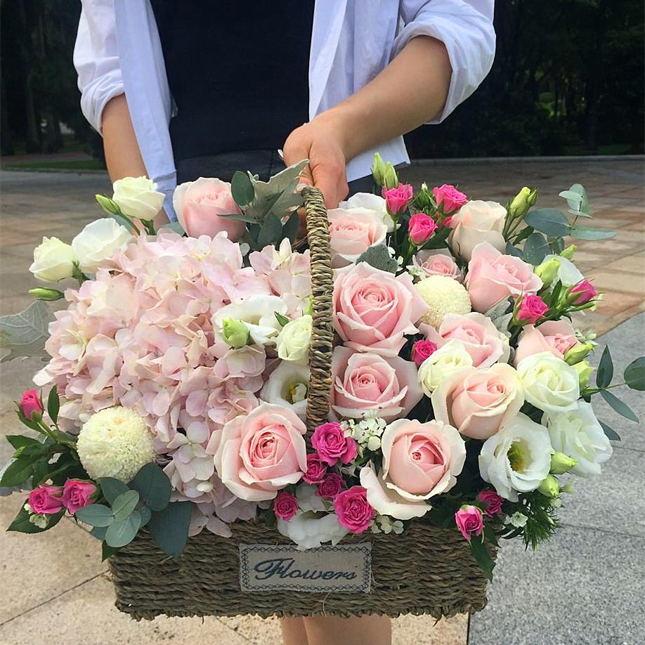 深圳鲜花速递南山福田速递玫瑰花花篮同城送女友表白玫瑰