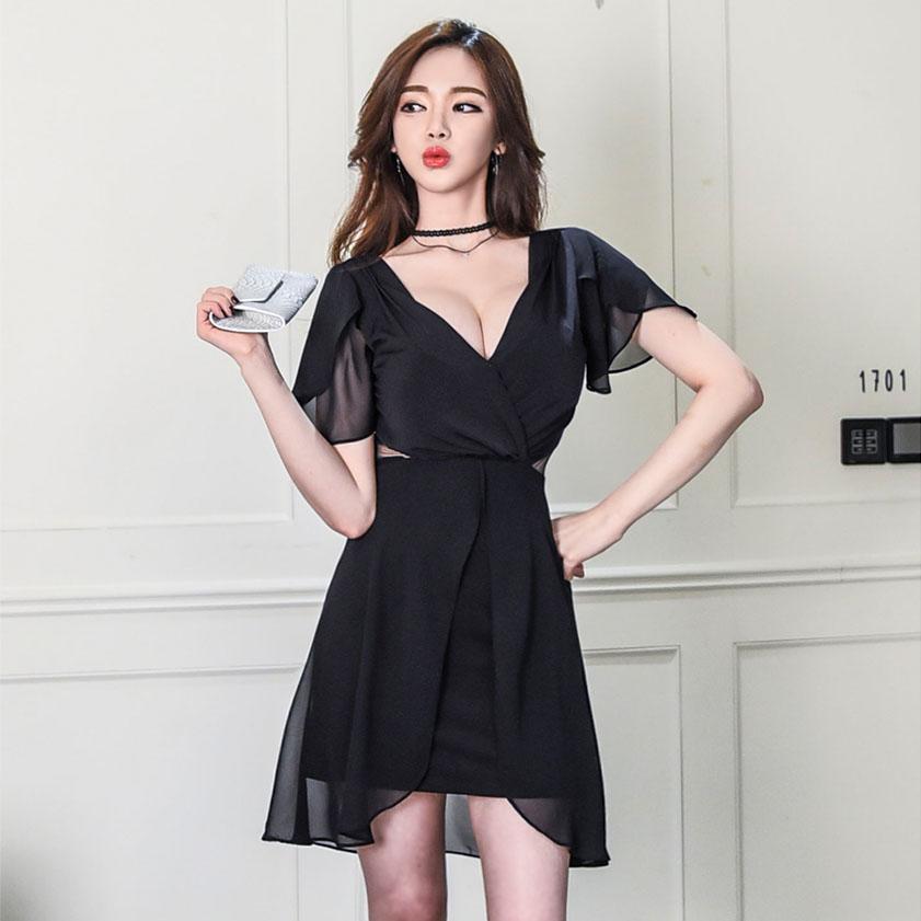 低胸连衣裙雪纺
