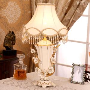 圣路堡创意欧式摆件卧室装饰品创意陶瓷台灯实用结婚礼物送闺蜜