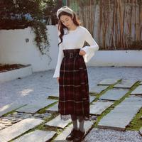 无有无印秋季新款英伦黑色格子蕾丝拼接高腰显瘦系带半身裙M16304