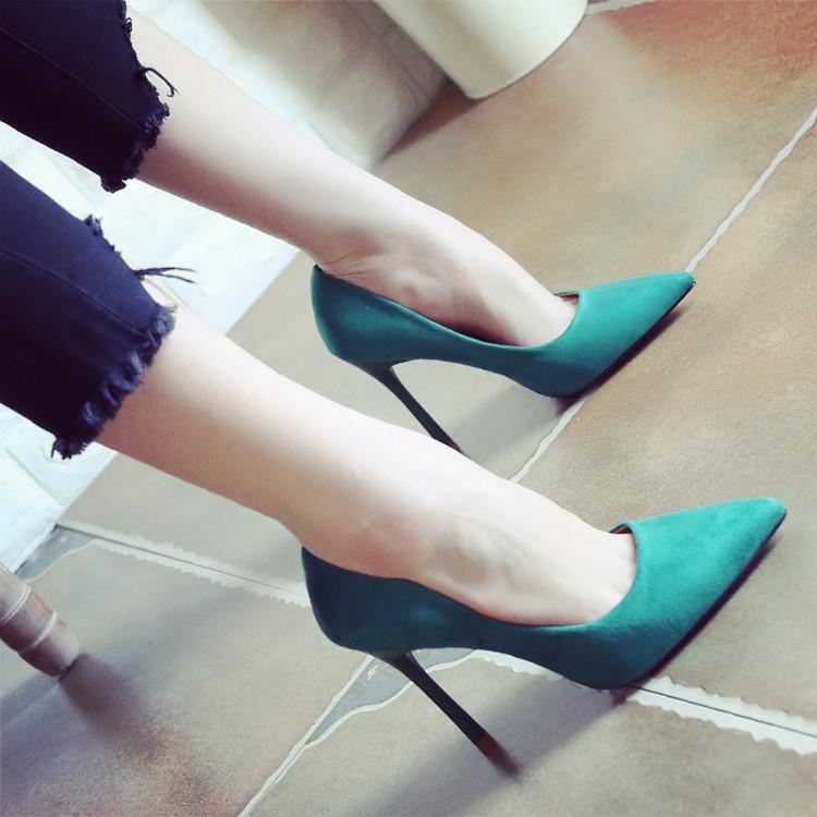 浅绿色鞋子女