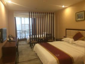 航成精品酒店(厦门机场自贸区店)豪华双床房