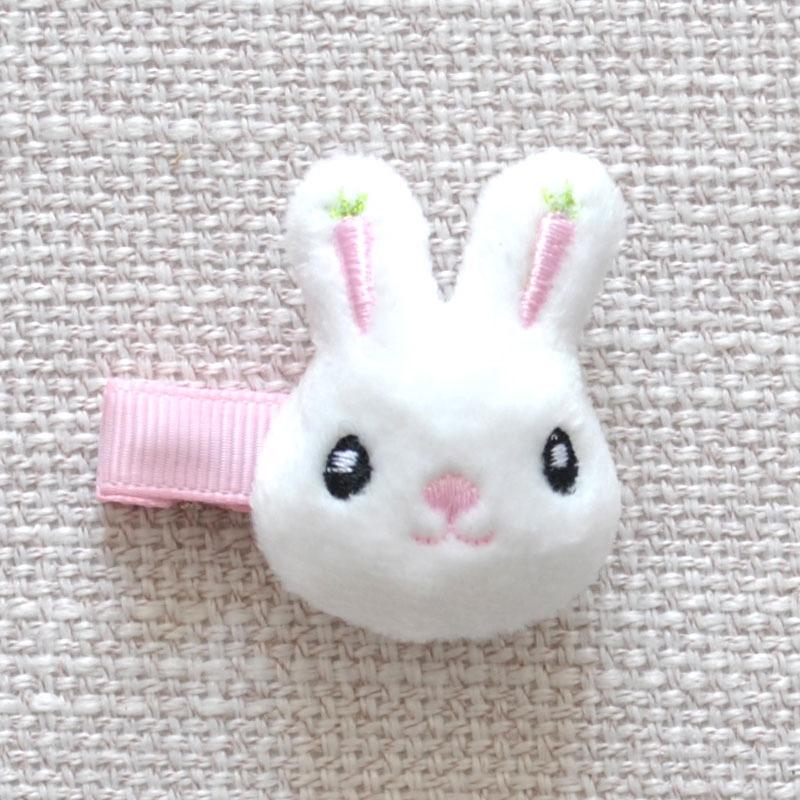 婴儿毛绒兔子
