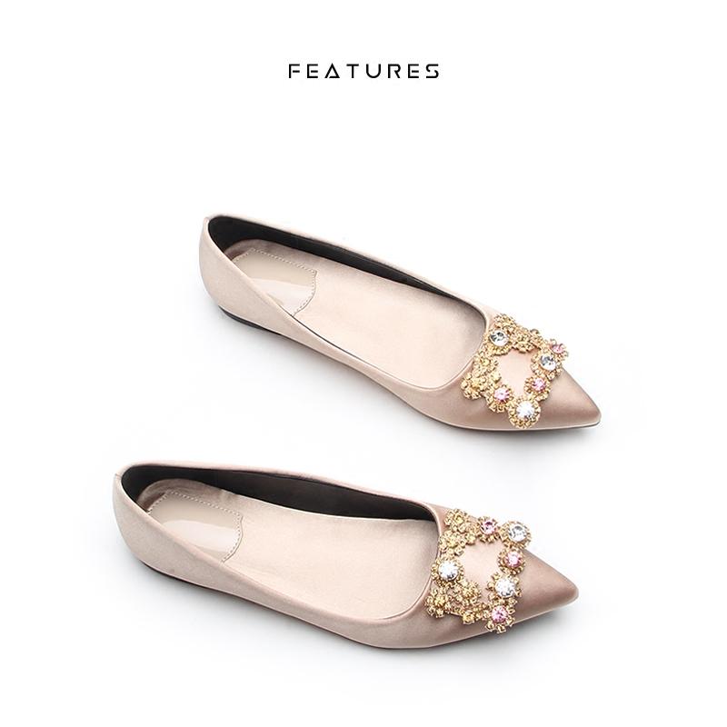 Features韩版春夏季同款尖头方扣女鞋婚绸缎平底浅口水钻平跟单鞋