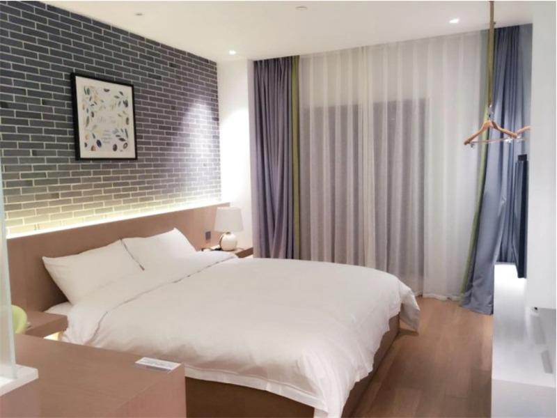 浮隐轻舍酒店(上海迪士尼浦东机场店)雅致大床房