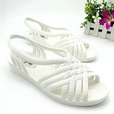 2018新款夏白塑料凉鞋女护士罗马中跟鱼嘴坡跟沙滩妈妈鞋防水雨鞋
