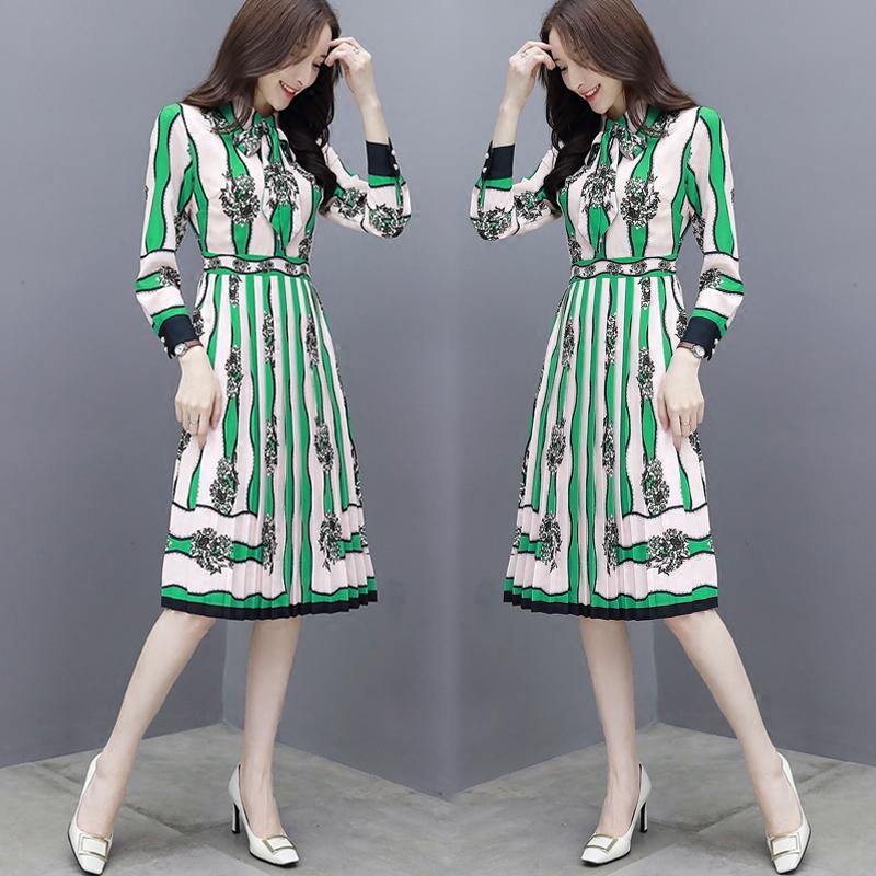 百褶连衣裙绿色