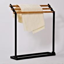 北欧极简毛巾架浴巾架室内挂衣架子实木落地置物架金属挂衣架组合图片