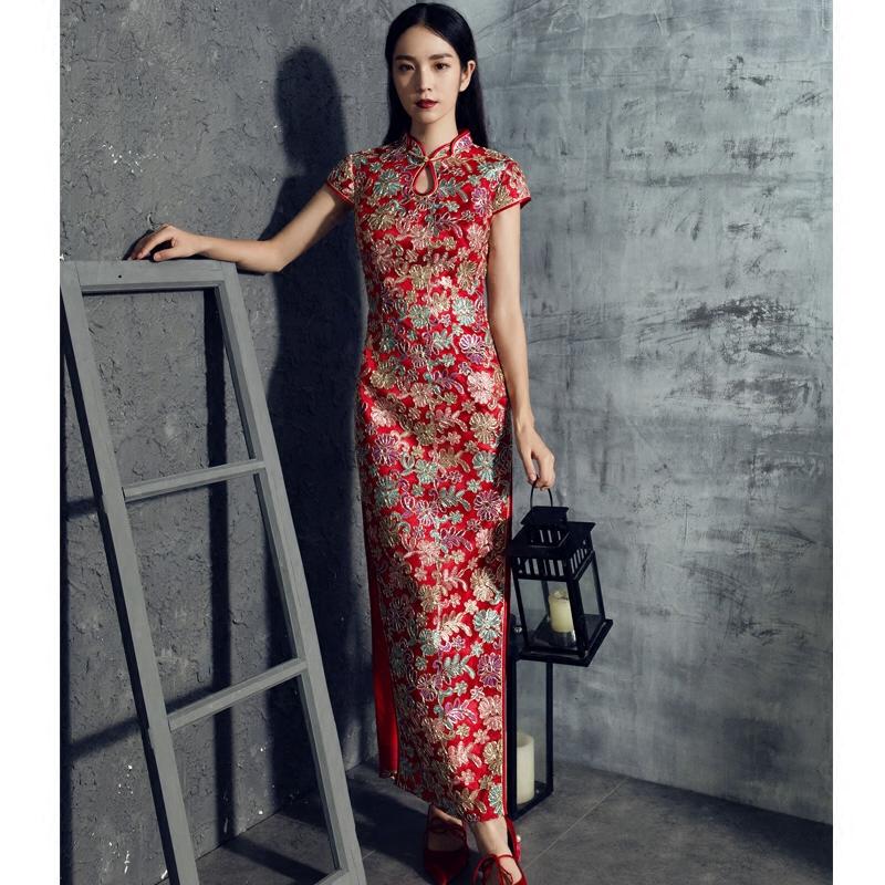 新娘红色旗袍刺绣