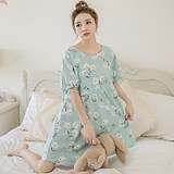 Pregnant women's nightdress, summer thin short-sleeved cotton suckling dress, go out after parturition to feed 200 kg of cotton suckling dress