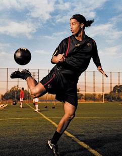 24寸罗纳尔迪尼奥(小罗)海报/世界杯海报足球明星订做1